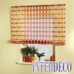 Raffrollos sind dekorativ zusammenziehbare und geraffte Gardinen