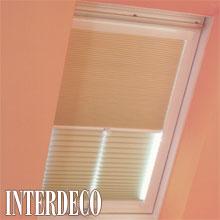 Dachfensterplissee als Nacht-Tag-Modell mit Duette-Stoff.