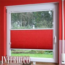Ein Plissee in Rot - Eindrucksvolle Farbe für die Fenster.