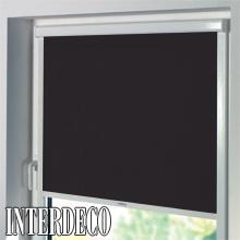 schwarze rollos verdunkeln mit eleganz durch ein. Black Bedroom Furniture Sets. Home Design Ideas